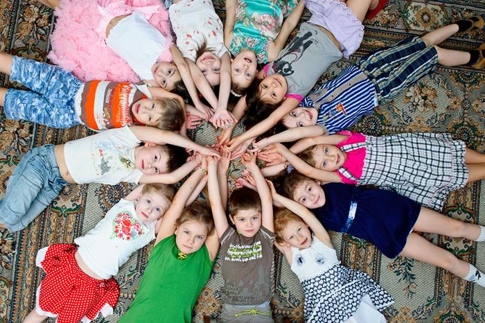 Открытка февраля, смешные картинки группы детей