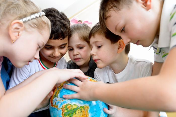 На съёмках в детском саду можно обыграть любой предмет. Обыграть здесь - ключевое слово!