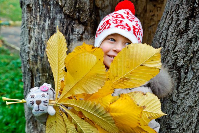 Фотосессия на детской площадке осенью в детском саду