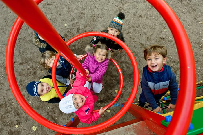 Фотосъёмка на детской площадке - всегда праздник для детей